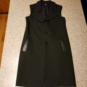 Ann Taylor SZ XS long black vest